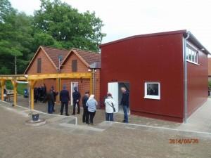Halle und neues Vordach