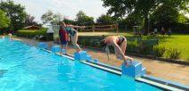 Schwimmbad ganz im Zeichen des Sport