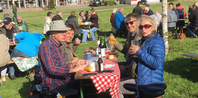 Fröhlichess Picknick und Schabernack zum 1. Mai...